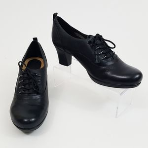 Earth Black Leather Oxford Lace Up Heel Shoes